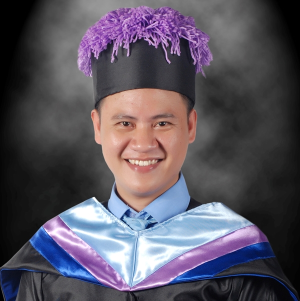 Dela Fuente Takes Over as Faculty President